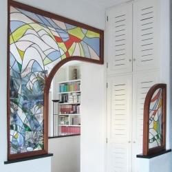 Pannelli collocati su muro tra ingresso-soggiorno e cucina